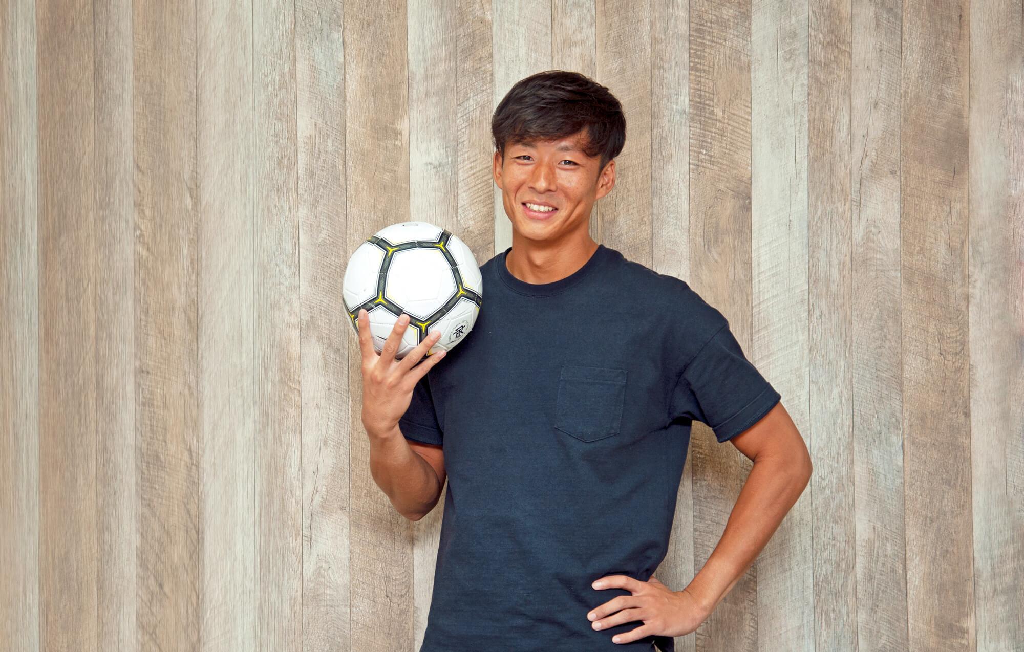 サッカー選手 兼 オフィスワーカー!